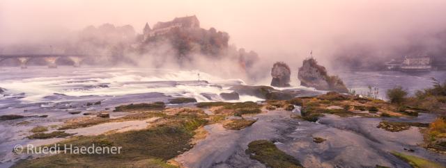 Rheinfall im Nebel
