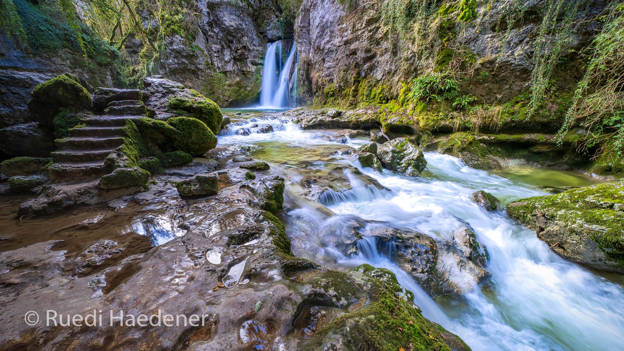 Wasserfall im Kanton Waadt